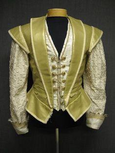 09018382 Doublet Mens Renaissance gold leather cream silk 39R W33.JPG