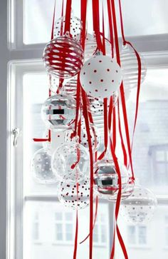 *Christmas in living room - with ceiling piece to brighten up your home this Christmas season.