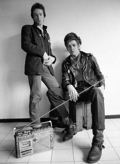 The Clash Paul & Topper, Notting Hill ... Follow - > www.songssmiths.wordpress.com Like -> www.facebook.com/songssmithssongssmiths