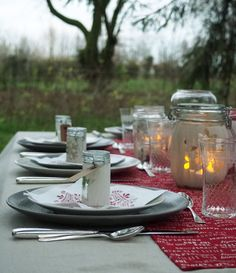 table 1 Deco Originale, Table Decorations, Sweet, Home Decor, Lighted Centerpieces, Painted Mason Jars, Christmas Tabletop, Center Table, Noel
