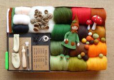 El último kit, que viene completo con tutoriales gran 3!!!! -Elf arbolado en una opción de color verde o rojo -Setas (para colgar o pie) -Bola que hace Hay tanta lana en este kit para hacer cargas de otras cosas también!  Las fibras de merino que suministramos son de la mejor calidad y muy suave, hermoso fieltro con!  Ahora puede comprar lanas de top-up de mi listado separado de 84 colores merino bella, así que usted nunca estará sin sus favoritos, también puede añadir un montón de nuevos…