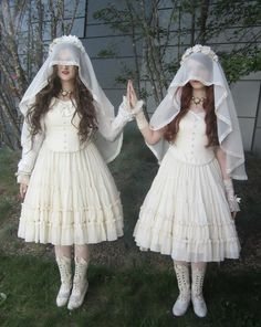 My twin Élisabeth and I for our local twin meet-up!   Our outfits rundown:       Dresses: Madeleine Chiffon dress from Mary Magdalene  ...