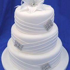 Such a beautiful wedding cake!