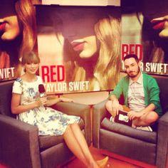 Didi Effe em papo descontraído com Taylor Swift!!