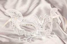 Luxury Venetian Filigree Metal Masquerade Mask - Gatto