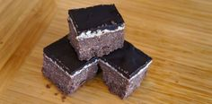 Almond Chocolate Protein Brownies - Low Carb & Gluten Free - Fresh Is The Taste Trim Healthy Mama Diet, Trim Healthy Recipes, Thm Recipes, Healthy Tips, Chocolate Protein Bars, Almond Chocolate, Protein Brownies, Gluten Free Treats, Healthy Treats