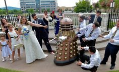 This couple had an amazing Doctor Who themed wedding, complete with Dalek ring…