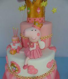Peppa Pig Birthday Cake, Birthday Cake Girls, Fondant Cake Tutorial, Fondant Cakes, Fancy Cakes, Cute Cakes, Tortas Peppa Pig, Pig Party, Girl Cakes