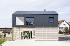 http://www.domusweb.it/en/architecture/2014/06/18/house_unimog_.html