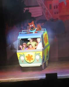 Evan and Lauren's Cool Blog: 2/18/13: Scooby-Doo Live! Musical Mysteries Fun at the Tsongas Center