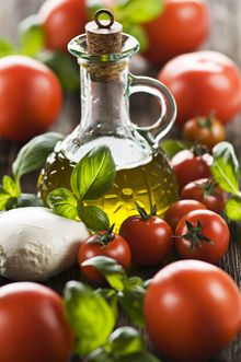 Italian olive oil with all the ingredients essential to Italian cuisine