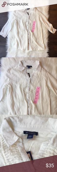 NWT BANDOLINO Women's Small button down shirt NEW WITH TAGS! Beautiful NWT BANDOLINO womens Small Button Down Blouse.. Only flaw is line through logo on tag as pictured. ⭐️If you need any specific measurements, please ask and I will gladly get those for you. ⭐️Please ask any questions prior to purchase. ⭐️Stored in a pet free & smoke free environment. ⭐️Offers are always welcome.  ⭐️Colors may vary due to screen settings. ⭐️Measurements are flat lay, and approximate. ⭐️Bundle & Save…