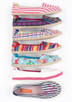 cute shoes from dELiaA's... like them all! (I must be dreaming of Spring)