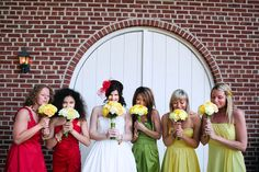 outdoor-colourful-rustic-wedding-