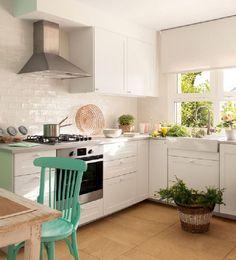 House of Turquoise: Cristina Mateus Kitchen Chairs, Diy Kitchen, Kitchen Dining, Kitchen Decor, Kitchen Cabinets, Sweet Home, House Of Turquoise, Turquoise Accents, Cuisines Design