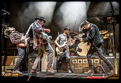 Great American folk-rock singer Neil Young perform in Telluride! He's performing Friday, September 30, and Saturday, October 1, at the Telluride Town Park outdoor stage. Book your stay now to enjoy what we know is going to be an once in a lifetime concert. http://www.huffingtonpost.com/michael-bialas/neil-young-will-finally-r_b_11102062.html