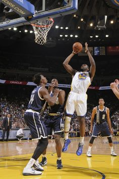 4.11.13 | The Warriors couldn't sustain the momentum from Tuesday's playoff clincher, falling to the visiting Thunder 116-97 on Thursday night at Oracle Arena.