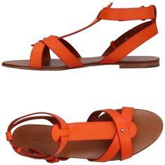 Visconti & Du Réau Sandals (15.885 RUB) ❤ liked on Polyvore featuring shoes, sandals, orange, orange flat sandals, real leather shoes, round toe shoes, round toe flat shoes and flat leather sandals