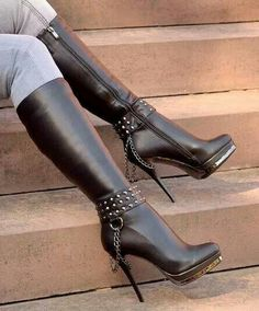 High heel Black boots With chains And Studs