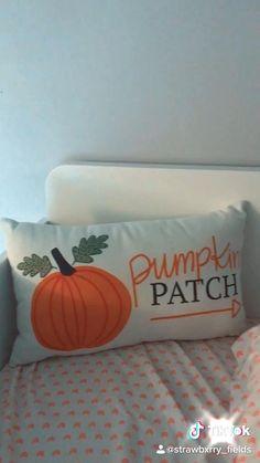 Halloween Season, Fall Halloween, Halloween Party, Halloween Decorations, Fall Bedroom Decor, Bedroom Themes, Fall Home Decor, Fall Video, September Crafts