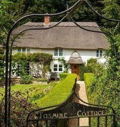 Jasmine cottage / castle and dreams.