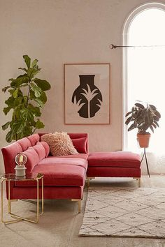 Matching the new 2018 deco trend, the pink sofa works wonders in a tropical interior, in a room or in a beautiful minimal or modern living room. So, pick a beautiful sofa in this splendid color and check out our nine dreamy suggestions you will be smi Pink Velvet Sofa, Pink Sofa, Velour Sofa, Design Salon, Canapé Design, Interior Design, Design Ideas, Modern Interior, Design Trends