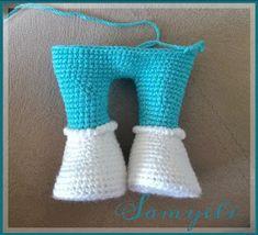 Büyük Boy PEPEE'nin TARİFİ / YAPILIŞI İlk Pepee'yi amigurumiye yeni başladığım zamanlarda Yaseminkale'nin tarifiyle örmüştüm. Daha sonra istek üzerine büyüğünü de ördüm tabi. Holiday Crochet Patterns, Baby Knitting Patterns, Amigurumi Patterns, Crochet Teddy, Crochet Dolls, Crochet Fairy, Crochet Disney, Crochet Stitches, Lana