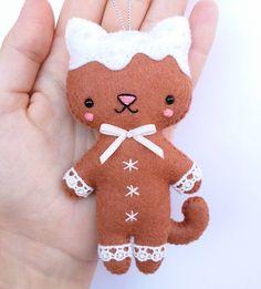 Felt gingerbread cat - Christmas ornament