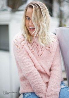 Tirilgenser i lys blå/grå str M Pullover yoke round lace Sweater Knitting Patterns, Cardigan Pattern, Knitting Stitches, Knit Patterns, Baby Knitting, Crochet Patron, Knit Crochet, Knitwear Fashion, Fair Isle Knitting