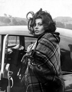 Sophia Loren- I love how the wind is blowing her hair...