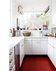 Red floor + white cabinets in TimRoss-Kitchen via The Design Files Quirky Kitchen, New Kitchen, Kitchen Small, Mini Kitchen, Kitchen White, Clean Kitchen Cabinets, Kitchen Flooring, White Cabinets, Kitchen Interior