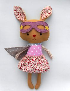 Superhero bunny by La Loba Studio #easterbunny #easterplush #bunny #bunnyplush #rabbit #superhero #dolls