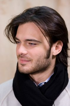 Giulio Berruti Hairstyles and Haircuts