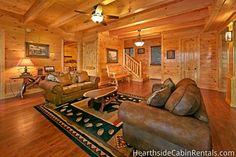 Majestic View Lodge - This cabin has an open floor plan that provides a spacious kitchen and dining room!