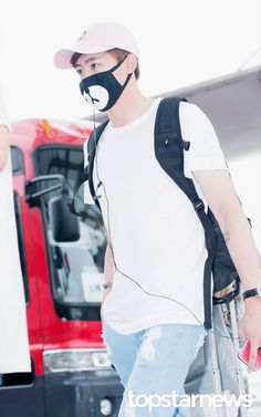 [HD포토] 투피엠(2PM) 닉쿤 귀여운 곰돌이 마스크 #topstarnews