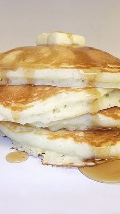 Buttermilk Pancakes via @AOL_Lifestyle Read more: http://www.takingonmagazines.com/buttermilk-pancakes-from-the-best-of-fine-cooking-breakfast-2011/