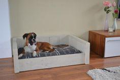 Update, we hebben er 1 gemaakt, foto's geplaatst! Steigerhouten hondenmand, wat zijn de kosten?   HondenForum