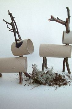 25 Christmas Decorations Made with Recycled Materials