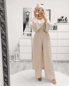 Hijab Fashion 858217272727413240 - Best style summer modest spring outfits ideas Source by almaphotoshopcore Hijab Fashion Casual, Hijab Casual, Street Hijab Fashion, Hijab Chic, Muslim Fashion, Abaya Fashion, Hijab Fashion Summer, Fashion Dresses, Women's Casual