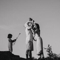 """62 tykkäystä, 3 kommenttia - Valokuvaaja Savonlinna (@piirto_photography) Instagramissa: """"Huomenta! Tää viikko on ollut kyllä vaihderikas ja kiireinen, viimeiset maalitkin vedin studiolla…"""" Children Photography, Newborn Photography, Family Photography, Couple Photos, Studio, Couples, Kids, Instagram, Couple Shots"""