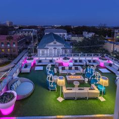 Best Rooftop Bars in Charleston to Drink With a View - Thrillist Charleston Sc Things To Do, Charleston Hotels, Charleston South Carolina, Charleston Style, Rooftop Party, Rooftop Restaurant, Grand Bohemian Hotel, Rooftop Design, Best Rooftop Bars