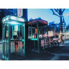 star9014 / 겨울 WINTER 冬 #서울 #겨울 #공중전화 #전화박스 #길 #거리 #길거리 #빛 #저녁 #자전거 #나무 #Korea #Seoul #winter #payphone #booth #street #light #evening #bicycle #Followme #follow #vsco #vscocam #instaphone #韓国 #ソウル #町 #冬 / #골목 #상자들 #공중전화 / 2013 12 28 /