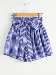 Vertical Striped Frill Waist Self Tie Shorts -SheIn(Sheinside) Girly Outfits, Simple Outfits, Short Outfits, Outfits For Teens, Summer Outfits, Casual Outfits, Cute Outfits, Girls Fashion Clothes, Teen Fashion