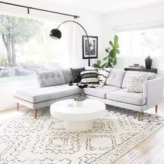 Ok summer. That was fun and all but you can go now. Home Bedroom, Home Living Room, Living Room Decor, Elegant Living Room, Scandinavian Interior, Home Fashion, Interior And Exterior, Architecture, Family Room