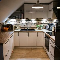 50 Cool Attic Kitchen Design Ideas,Browse 50 photos of Attic Kitchen. Find ideas and inspiration for Attic Kitchen to add to your own home. Loft Design, Kitchen Design Small, Attic Apartment, Kitchen Design, Sweet Home, Home Decor Kitchen, Kitchen, Loft Kitchen, Home Decor