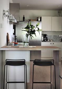 syyskuunkuudes_keittio1 White kitchen // hay // timeless living Kitchen, Table, Furniture, Home Decor, Cooking, Decoration Home, Room Decor, Kitchens, Tables