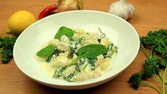 Gnocchi s kuřecím masem, špenátem a sýrovo smetanovou omáčkou Gnocchi, Risotto, Food And Drink, Meat, Chicken, Cooking, Ethnic Recipes, Beef, Kochen