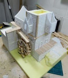 I lavori di costruzione del Mulino proseguono... In questo post, mi occuperò della costruzione del secondo piano, concentrandomi soprattu...