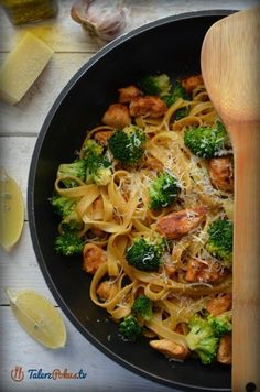 Smoothies, Spaghetti, Meals, Chicken, Dinner, Opi, Cooking, Ethnic Recipes, Chinese