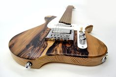 Annabelle - Satin finish, Kingwood cap, Padauk fingerboard, 28 frets, 25.5 scale length